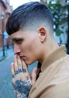 50 Ideas Haircut For Men Fade Shaved Sides Crop Haircut, Fringe Haircut, Punk Haircut, Hair And Beard Styles, Short Hair Styles, Hair Reference, Shaved Sides, Trending Haircuts, Boy Hairstyles