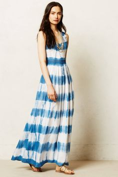 Matra Maxi Dress Non-trashy tie-dye with a really tasteful lace inset at waist and cut-out back. Could be overly busy, but works. Dress Outfits, Fashion Outfits, Midi Dresses, Long Dresses, Tie Dye Maxi, Tye Dye, Love Fashion, Womens Fashion, Frack