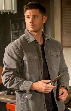 Jensen  Ackles  as  Dean  Winchester  ♡