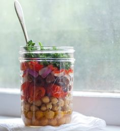 Tasty on-the-go Idea From Lauren Conrad - love how efficient it is!