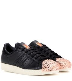Buy it now. Superstar 80s Metal Toe Leather Sneakers. Superstar 80s Metal Toe Black Leather Sneakers By Adidas Originals , deportivas, sport, deporte, deportivo, fitness, deportivos, deportiva, deporte, courtvantage, stansmith, superstar, tubularviral, zx700, sueladentada, furylite, matrix, zxflux, mood, missstan, trainers, sporty, plimsoll. Black Adidas originals  basic sneakers  for woman.