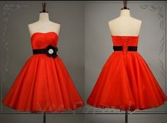 Fashionable Red Strapless Full Skirt Short Organza Prom Dress With Black Flower Waistband This is amazing!