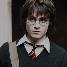 """My favorite movie is """"Harry Potter and the Goblet of Fire"""" and yours? Harry James Potter, Daniel Radcliffe Harry Potter, Harry Potter Icons, Mundo Harry Potter, Harry Potter Aesthetic, Harry Potter Cast, Harry Potter Characters, Harry Potter Universal, Harry Potter World"""