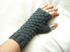 fingerless gloves in same stitch pattern as biscuit blanket.