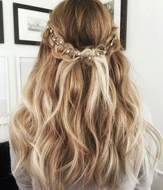 Prom Hair Down Hairstyles Medium Hair Styles, Curly Hair Styles, Prom Hair Styles, Hair Styles Elegant, Hair Styles With Curls, Hair Styles For Wedding, Wedding Hair And Makeup, Wedding Party Hair, Free Wedding