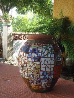 Pote em mosaico por MCC