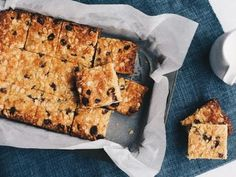 Never fail recipe. A bit like a muesli bar. Muesli Slice, Muesli Bars, Oat Bars, Granola, Healthy Treats, Healthy Baking, Oat Slice Healthy, Healthy Food, Baking Recipes