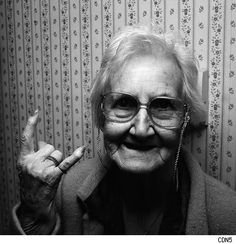 30 Old People Having Fun (Photos) - Urlesque