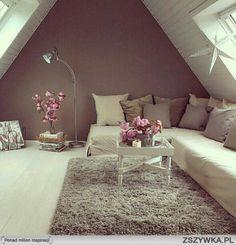 Zobacz zdjęcie zawsze chciałam mieć pokój na strychu >.< w pełnej rozdzielczości