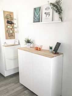 Ikea Hack - Metod Wandschrank als Sideboard Teil II Ikea Hack - Metod wall cabinet as a sideboard Part II Side Board, Kitchen Rack, Kitchen Cabinets, Ikea Closet Hack, Ikea Hack Besta, Ikea Organization, Ikea Storage, Best Ikea, Diy Furniture