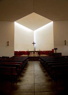 Clásicos de Arquitectura: Capilla del Monasterio Benedictino / Gabriel Guarda, Martín Correa