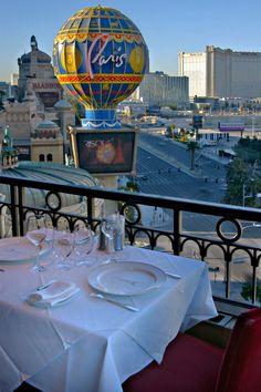 www.vegas-venues.com - Paris Las Vegas Eiffel Tower Restaurant Patio