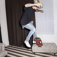 Justin Bieber Pictures, I Love Justin Bieber, Vans Outfit, I Luv U, Harem Pants, How To Look Better, Street Wear, Normcore, Husband
