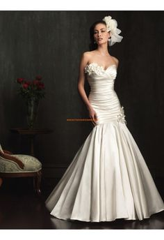 Robe de mariée satin sirène col coeur fleurs
