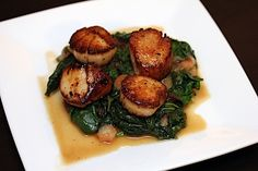 Scallops with Apple Cider Glaze over Spinach with Apples #pescatarian #dinner