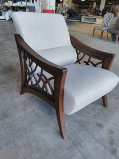 Furniture Upholstery, Home Decor Furniture, Luxury Furniture, Furniture Design, Living Room Sofa Design, Bedroom Bed Design, Single Sofa Chair, Wooden Sofa Designs, Modern Sofa