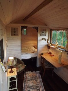 52 new Ideas for small boats interior tiny house Tiny Cabins, Cabins And Cottages, Tiny House Living, Small Living, Tiny House Office, Living In A Shed, Living Room, Living Area, Shepherds Hut For Sale