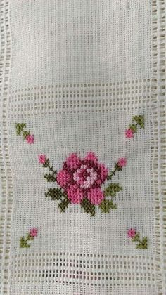 luci terezinha's #214 media analytics. Lace Knitting Patterns, Beading Patterns, Beaded Embroidery, Cross Stitch Embroidery, Cross Stitch Designs, Cross Stitch Patterns, Cross Stitch Tutorial, Sewing Baby Clothes, Bargello
