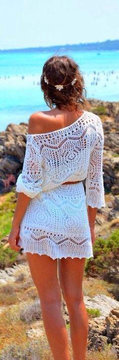 O tricô é uma tendência para o verão 2015. Aproveite o Tricot Versalles para fazer vestidos e saídas de praia.