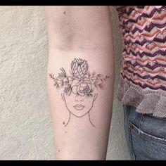····❧···❧···❧···❧··❧··· placement is fantastic . Gesundheits Tattoo, Kopf Tattoo, Body Art Tattoos, Face Tattoos, Tattoos For Women Flowers, Tattoos For Women Small, Small Tattoos, Bicep Tattoo Women, Sleeve Tattoos For Women