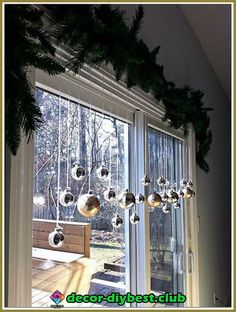 Outdoor indoor christmas decor that are simply awesome 35 Outdoor indoor christm. Outdoor indoor christmas decor that are simply awesome 35 Outdoor indoor christmas decor that are simply awesome 35 Noel Christmas, Christmas Projects, Winter Christmas, Christmas Lights, Christmas Design, Christmas Balls, Christmas Ideas, Christmas Windows, Office Christmas