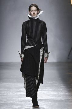 Avant garde fashion . interesting pattern making & draping Aganovich Ready To Wear Fall Winter 2015 Paris