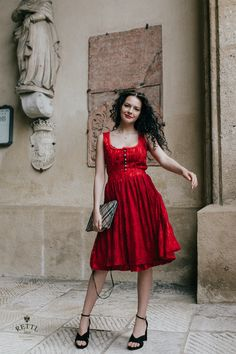 "Damen Dirndl ""Wash & Wear 2"" in Stretchspitze Flower rot mit Samt-Tüllborten #rettl1868 #highfashion #dress #dresses #dressup #dressmurah #dressyourface #dressage #dressedup #dresscode #dressing #dresstoimpress Haute Couture Style, Dress Code, High Fashion, Dressing, How To Wear, Vintage, Dirndl, Slip Dresses, Velvet"