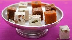Pumpkin halwa: a very popular Indian sweet dish usually made for special occasions Best Dessert Recipes, Fun Desserts, Indian Food Recipes, Sweet Recipes, Indian Foods, Fudge Recipes, Vegan Desserts, Halva Recipe, Eid Food