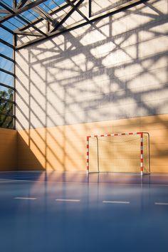 Handball Court on Behance – My Friends Page Women's Handball, Handball Players, Iphone Wallpaper Video, Marvel Background, Volleyball Workouts, Basketball Quotes, Football Stadiums, Detroit Pistons, Picture Description