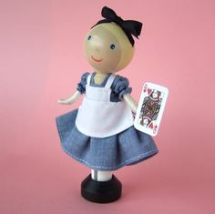 Idea for an Alice in Wonderland clothes peg doll :-)