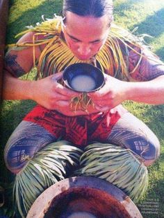 Distributors for Local Pickup - Kava Kona Samoan Tribal, Cultural Identity, Samoan Tattoo, Male Photography, South Pacific, Papua New Guinea, Beautiful Islands, Polynesian Men, Culture Shock