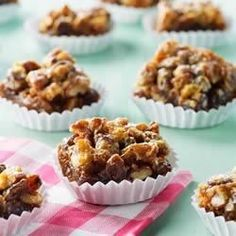 Sweet and delicious treats; the Shreddies crust gives these squares a lovely nuttiness and texture. Butter Tart Squares, Food Inc, Snack Recipes, Dessert Recipes, Butter Tarts, Cereal Treats, Toasted Pecans, Pumpkin Bread, Christmas Baking