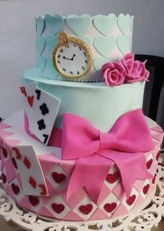 29 Trendy Ideas Cake Disney Wedding Alice In Wonderland New Cake Design, Cake Designs For Girl, Alice In Wonderland Birthday, Alice In Wonderland Tea Party, Cake Pop Displays, Cake Decorating With Fondant, Tea Party Birthday, Mad Hatter Tea, Christmas Sweets