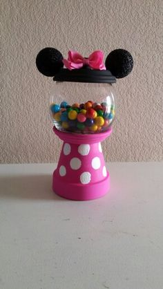 Minnie Mouse Candy Jar Clay Pot Projects, Clay Pot Crafts, Diy Crafts, Flower Pot Crafts, Flower Pots, Candy Jars, Candy Dishes, Disney Candy, Diy Gumball Machine