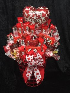 Valentine's Day Candy Bouquet with all his favorite candy 🍭