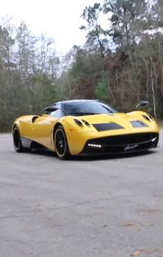 This Is The World's Only Yellow Ferrari F60 America