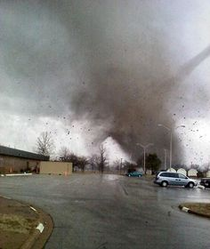 December Tornado In Missouri Tornados, Thunderstorms, Tornado Pictures, Storm Pictures, Natural Phenomena, Natural Disasters, Storm Photography, Travel Photography, Tornado Alley