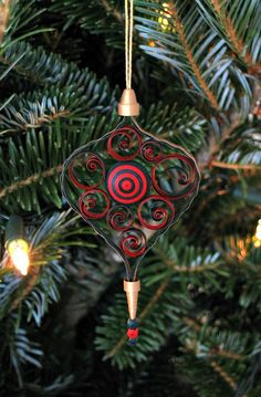 Quilled Christmas Ornament by all things paper.
