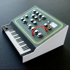 Dan McPharlin - Analogue Miniature Synthesizers