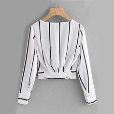 Sexy listrado preto e branco blusas - brazil shein(sheinside) . Teen Fashion Outfits, Mode Outfits, Hijab Fashion, Trendy Outfits, Girl Fashion, Fashion Dresses, Spring Fashion, Blouse Styles, Blouse Designs