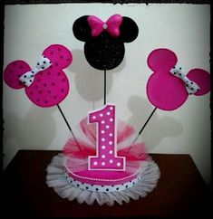 Minnie Mouse Birthday Theme, First Birthday Party Themes, Cute Birthday Gift, Mickey Minnie Mouse, Birthday Diy, Princess Birthday, Minnie Mouse Birthday Decorations, Mouse Parties, Twins 1st Birthdays
