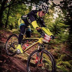 Nigdy nie pozwól, by Twój strach wykluczył Cię z walki!  #memories #verge #vergesport #rudyproject #kellys #ztr #novatec #zjazd #maraton #rockshox #autumn #amazing #photo #mtb #yellow #fluo #cardio #fast #power #condition #watt #competition #polishboy #poland #like #instalike