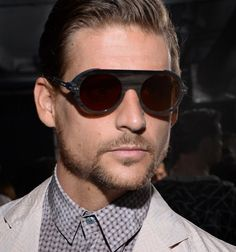 Are you looking for the hottest eyewear trends that are presented to both men and women for the next year? Choosing fashionable and stylish clothes to Stylish Men, Stylish Outfits, Men Casual, Stylish Clothes, Eyewear Trends, Men's Eyewear, Men Eyeglasses, Latest Design Trends, Men's Grooming
