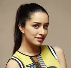 Shraddha Kapoor - Lots Of Love <-) By Himanshu Patni Jo tu mera humdard hai Suhaana har dard hai Jo tu mera humdard hai Famous Indian Actors, Indian Celebrities, Bollywood Celebrities, Indian Actresses, Sraddha Kapoor, Kareena Kapoor, Deepika Padukone, Ek Villain, Watch Bollywood Movies Online
