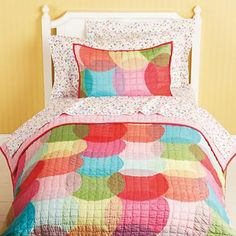 Kids' Bedding: Girls' Colorful Kaleidoscope Quilt