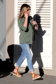 71978e24296 Resultado de imagen para jennifer aniston street style Jennifer Aniston  2017