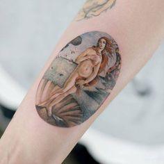 The Birth of Venus tattoo on the right inner forearm. The Birth of Venus tattoo on the right inner forearm. Venus Tattoo, Aphrodite Tattoo, Tattoo Life, Pretty Tattoos, Beautiful Tattoos, Forearm Tattoos, Body Art Tattoos, Tatoos, Tattoo Art