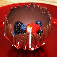 Menu Musings of a Modern American Mom: Chocolate Dessert Bowls