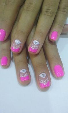 Like the two accent nails, maybe in a nice maroon color for fall – SEO Life Posh Nails, Fun Nails, Hot Nail Designs, Magic Nails, Geometric Nail, Fabulous Nails, Accent Nails, Nail Art Diy, Beauty Nails