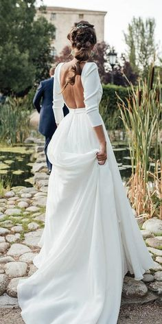 Loreto and Nacho& wedding at Finca el Campillo Plain Wedding Dress, Weeding Dress, Wedding Gowns With Sleeves, Amazing Wedding Dress, Wedding Dress Trends, Dream Wedding Dresses, Backless Wedding Dresses, Long Sleeve Wedding Dress Boho, Marie